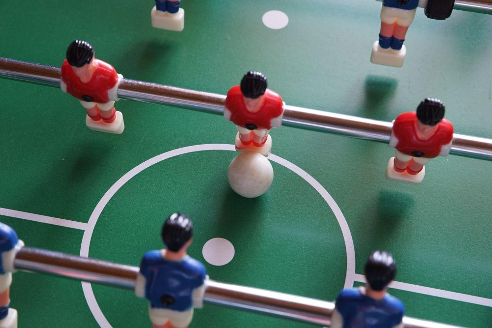 stół piłkarzyki zielone boisko